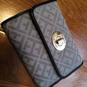 Tommy Hilfiger trifold wallet